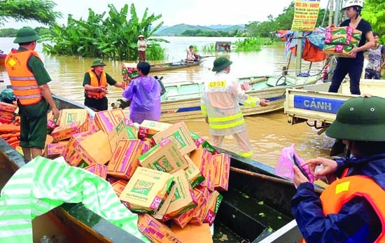 Landslides, floods kill 37 in Vietnam