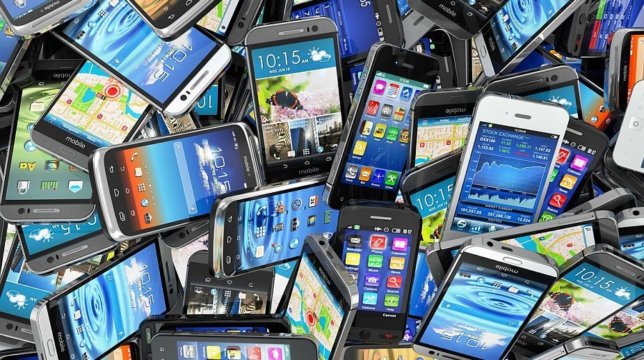 Global smartphone shipments hit record 400 million units