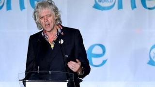 Geldof returns Dublin honour over Suu Kyi