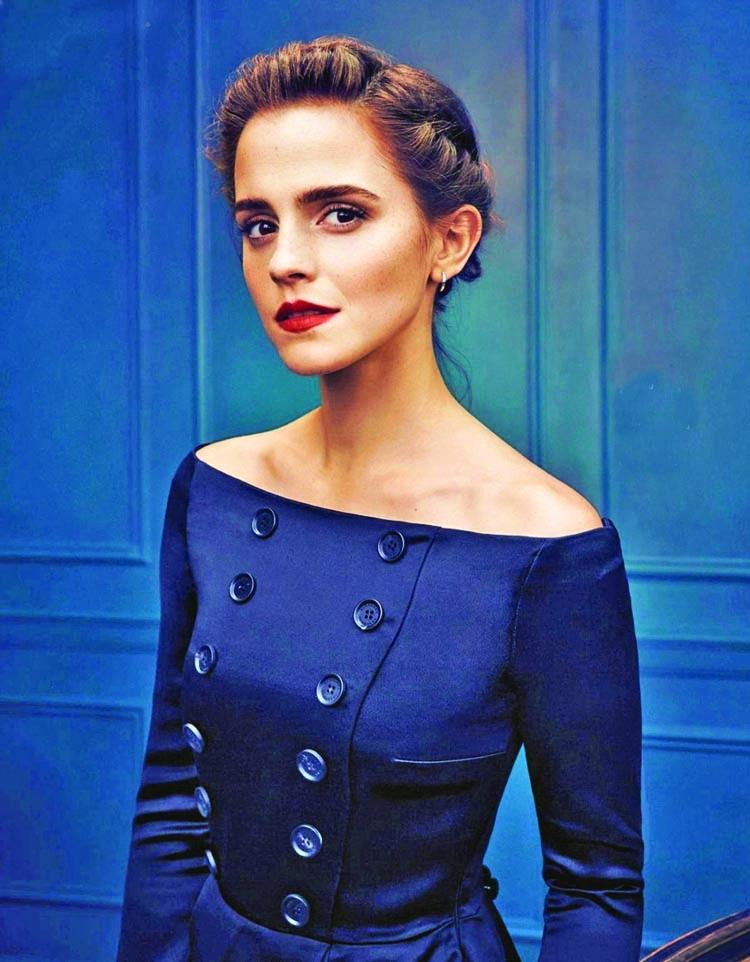 Emma Watson dances on the street of London