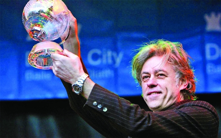 Bob Geldof hands back award shared with Suu Kyi