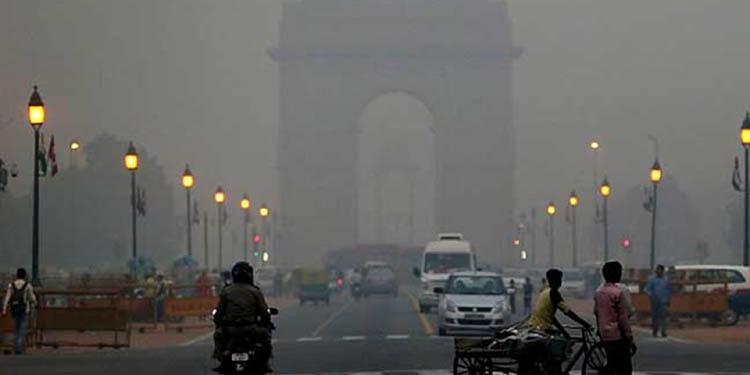 Don't panic says Indian minister as smog crisis