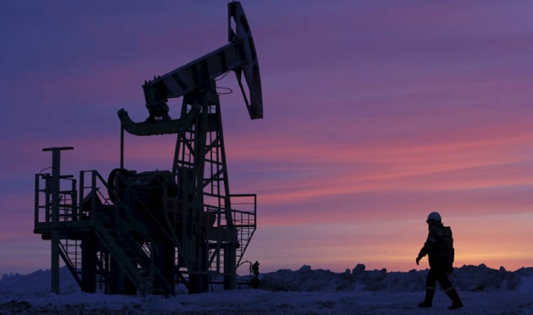 Oil prices fall as rising US output undermines