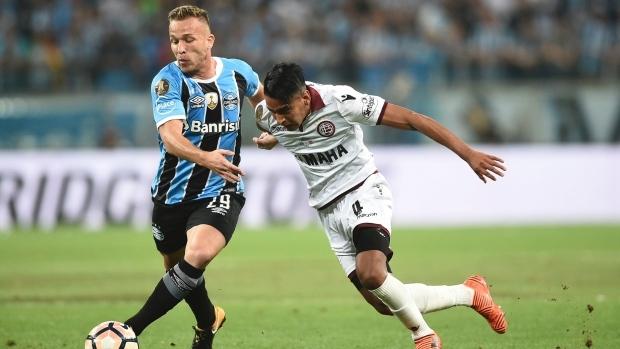 Gremio beats Lanus in first leg of Copa Libertadores final