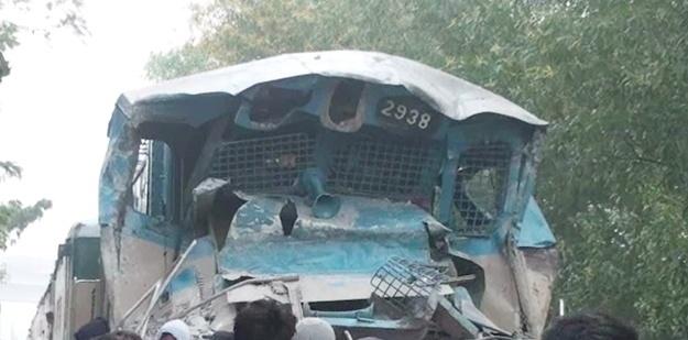 Train hits truck in Gazipur,1 dead