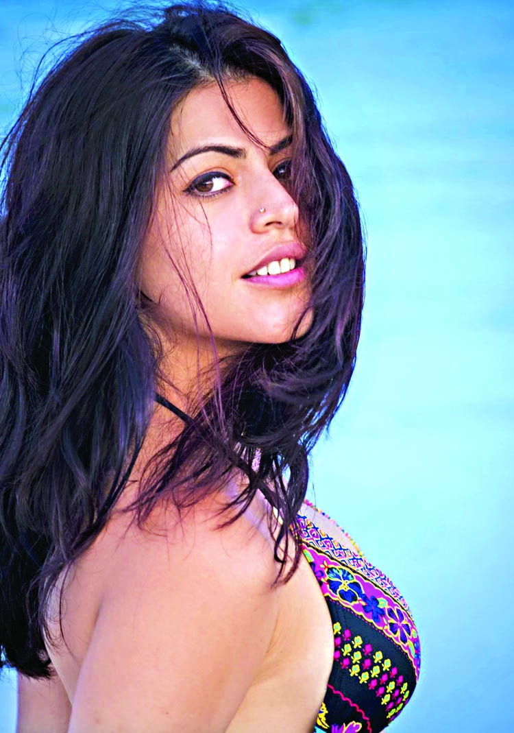 Shenaz Treasury signs her next Hollywood film