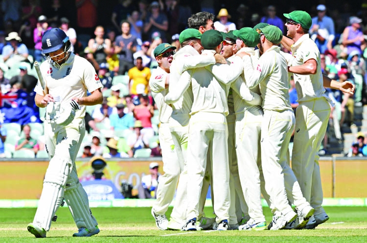 Australia lead series 2-0 after bowlers clean up England