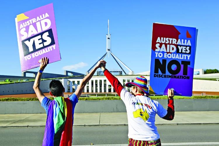 Australia makes gay marriage legal