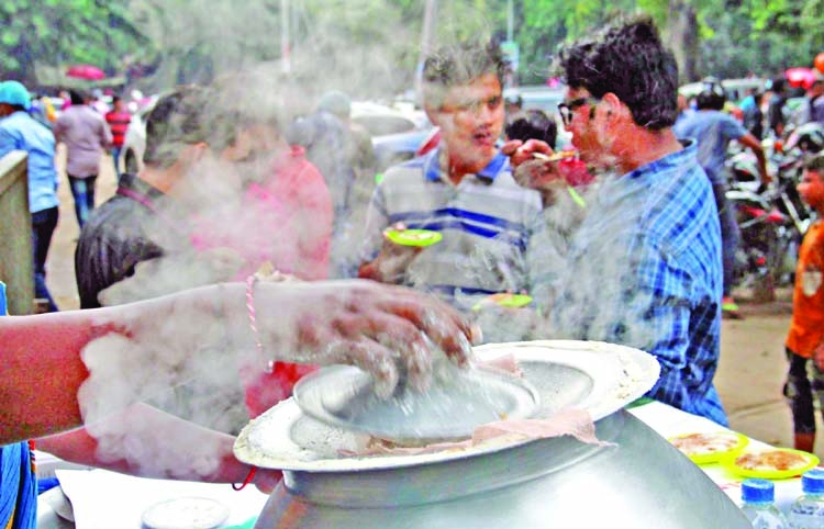 Winter delicacies on Dhaka streets