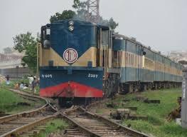 Collision halts Dhaka-Ctg train service