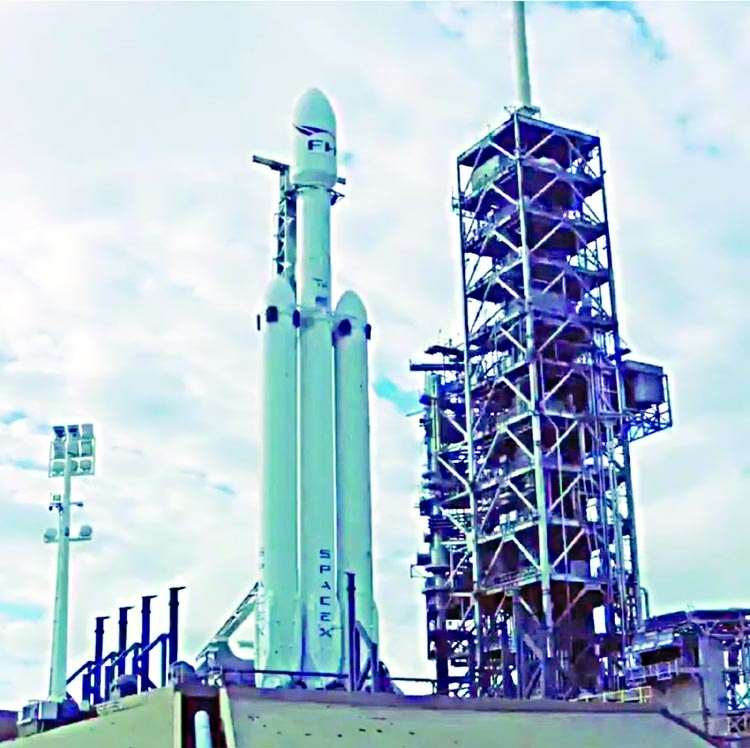 SpaceX to fire most powerful rocket