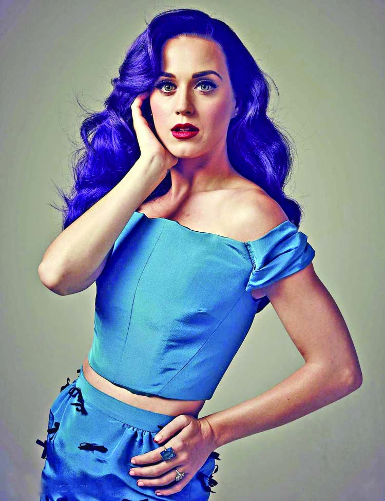 Katy Perry denies having  plastic surgery ever