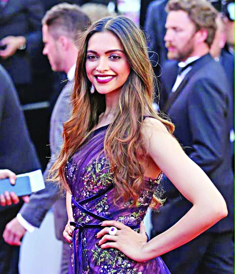 Deepika turns a rowdy traffic cop