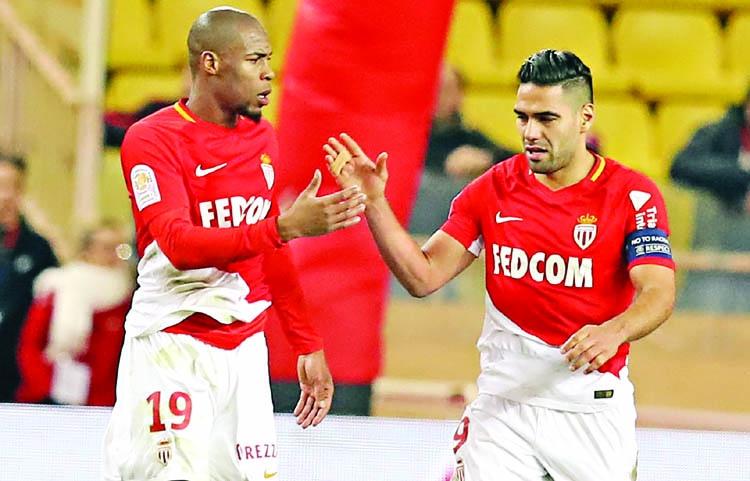 Falcao rescues Monaco after Balotelli double