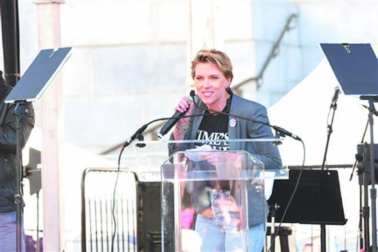 Davis, Johansson rally crowd at LA women's march