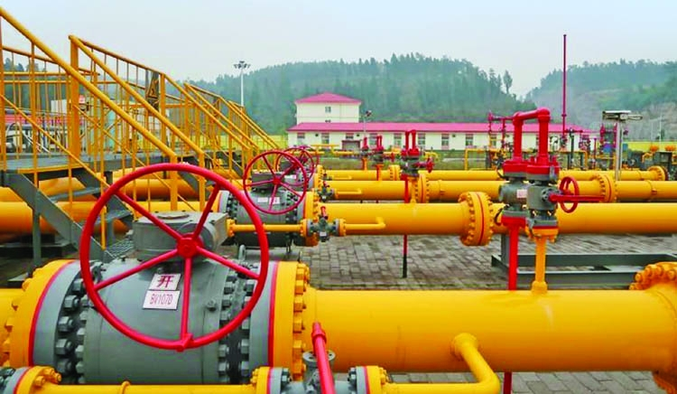 China rushes to replenish gas supplies ahead of icy blast