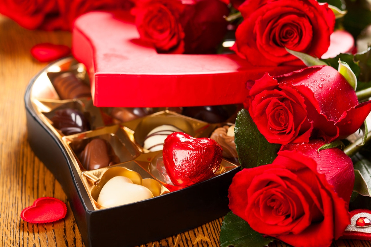 Pakistan bans Valentine's Day