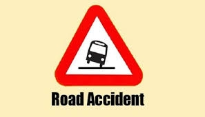 2 journos, among 3, hurt in Ctg road accident