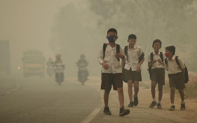 Even 'safe' levels of pollution can slow down brain growth in kids