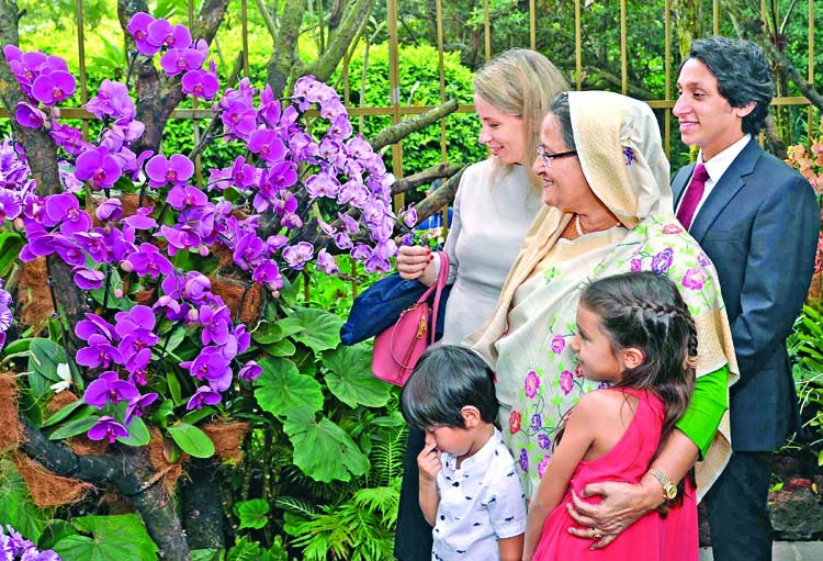 PM unveils orchid named after her in Singapore
