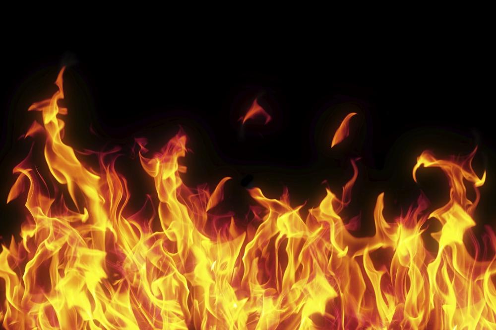 Fire breaks out at Khilkhet kitchen market