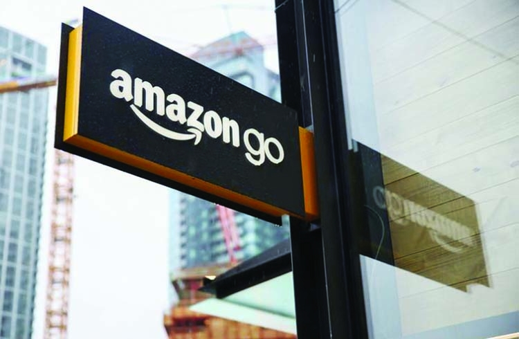 Amazon tracks repeat shoppers for line-free Seattle store