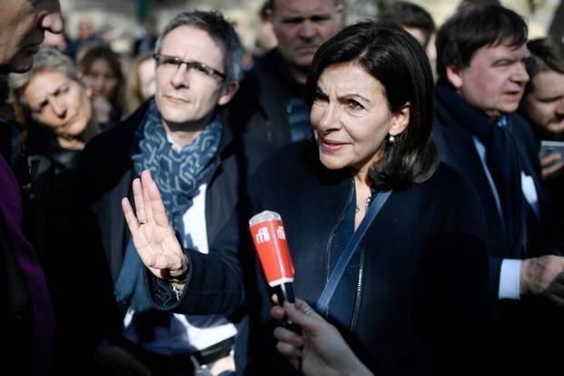 Paris mulls free public transport