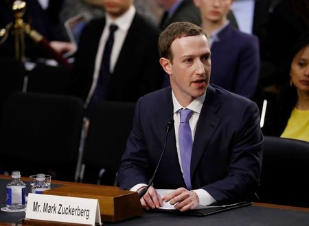 Zuckerberg resists regulation commitment