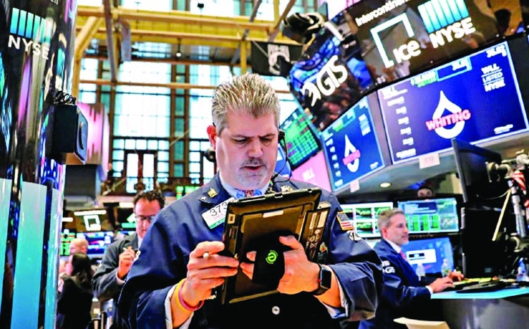 Wall St eyes earnings stabilizer after FAANG stocks wobble