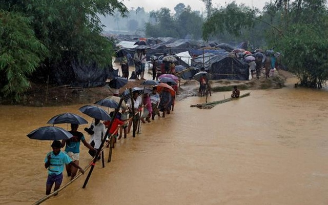 Rohingya camps at danger from rains