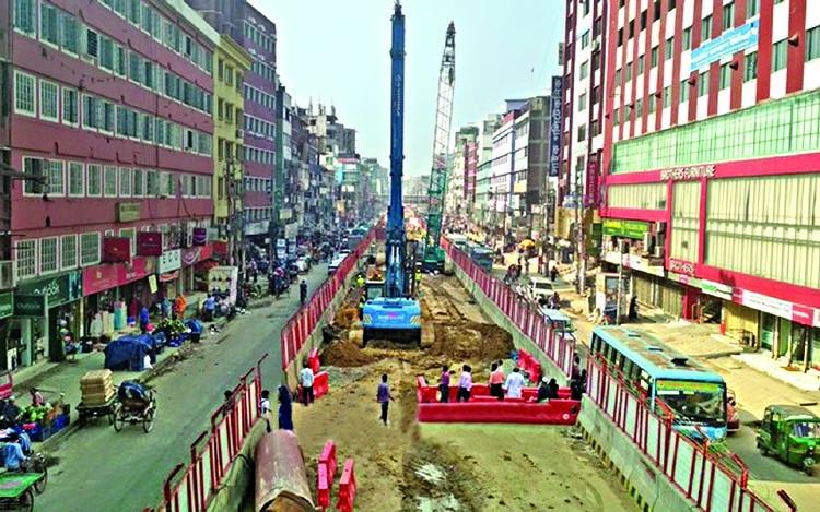 Metro rail work on in full swing