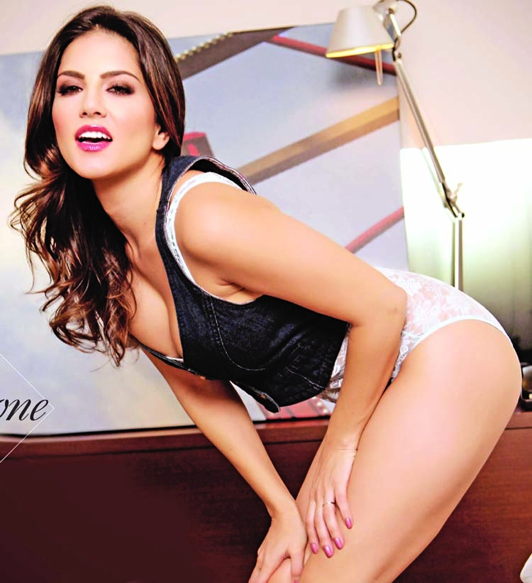 Sunny Leone to start  shooting for her biopic