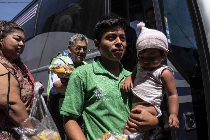 Migrants 'caravan' arrive at US-Mexico border