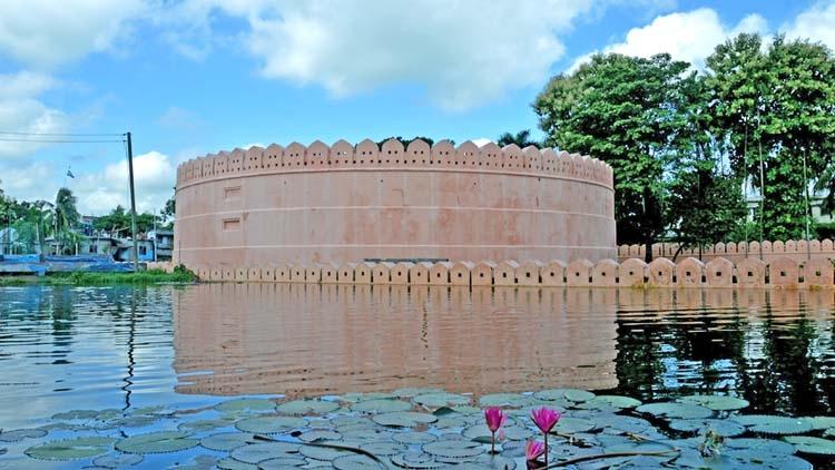 A unique Mughal structure