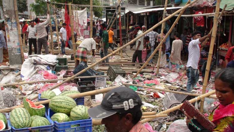 Illegal shops evicted  from highway side