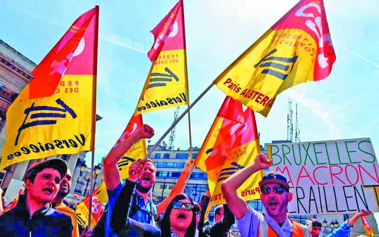 French public sector, rail workers strike against reform proposal
