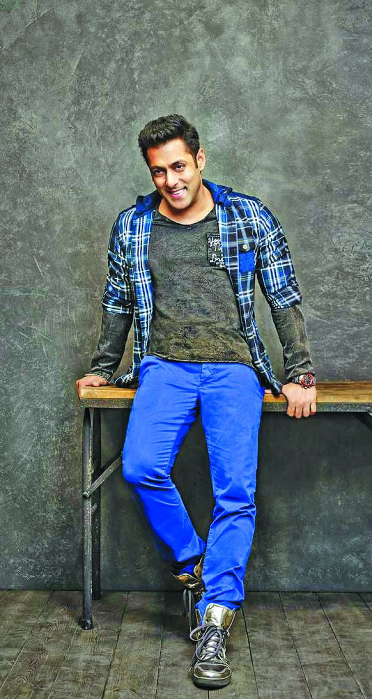 Salman Khan turns lyricist