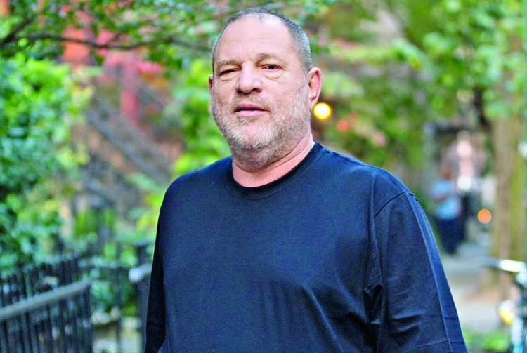 Harvey Weinstein 'to surrender to police'