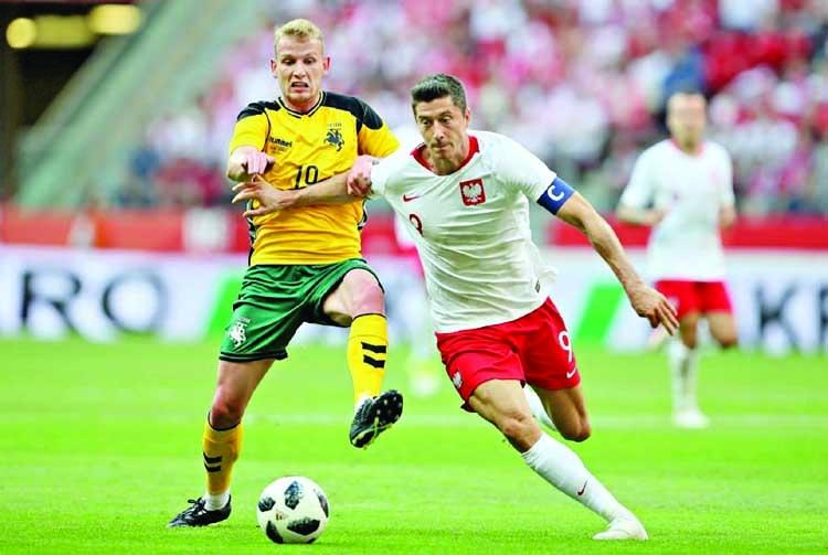 Japan end woeful run, Lewandowski shines for Poland