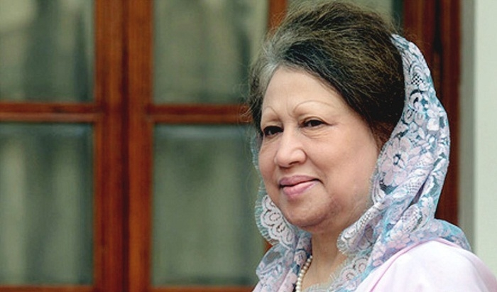 Khaleda passes time with relatives, takes homemade food on eid day