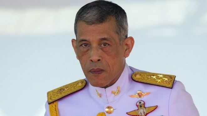 Thai king takes control of crown assets