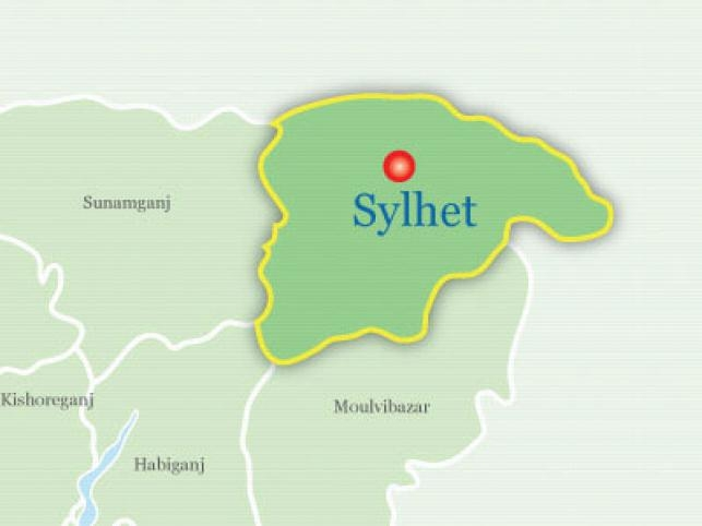 Girl missing as boat sinks in Sylhet