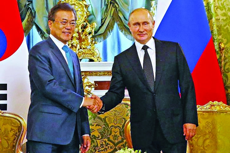 Moon, Putin to support full denuclearization