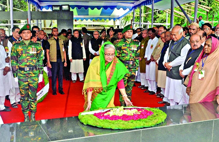 PM pays homage to Bangabandhu