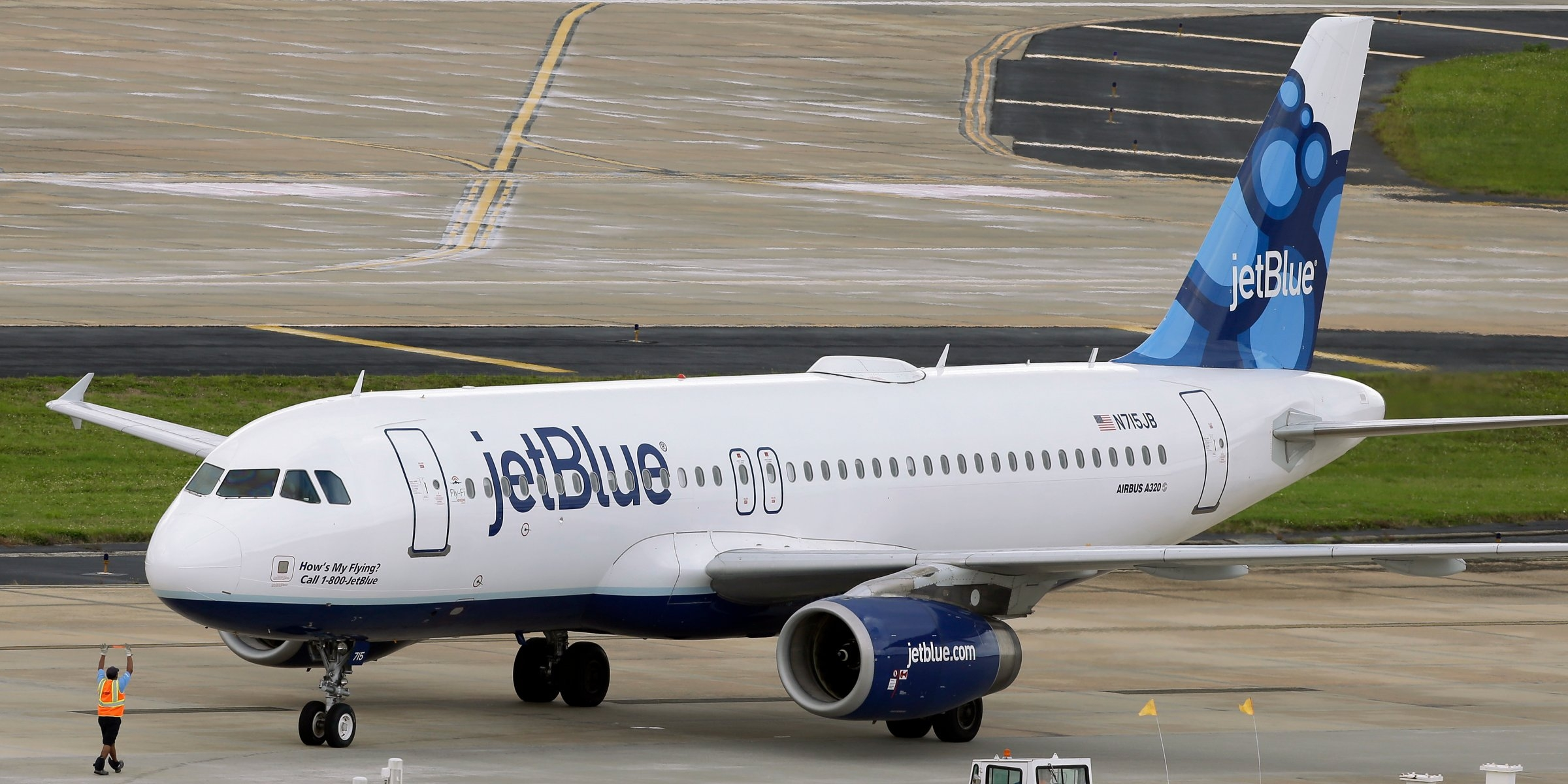 JetBlue flight mistakenly sends hijack alert, triggering huge scare at JFK airport