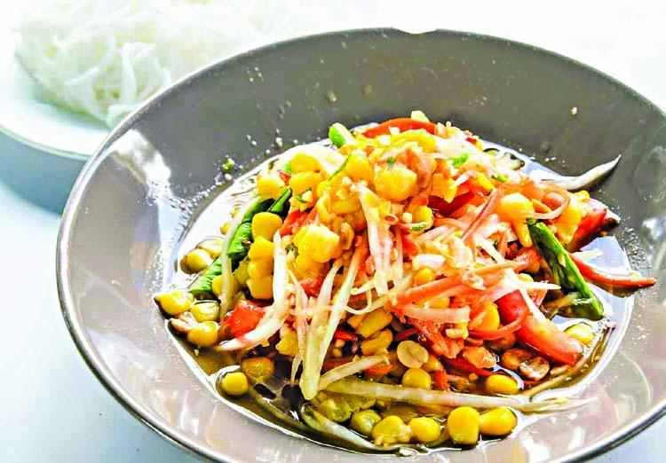 Spicy Thai corn salad