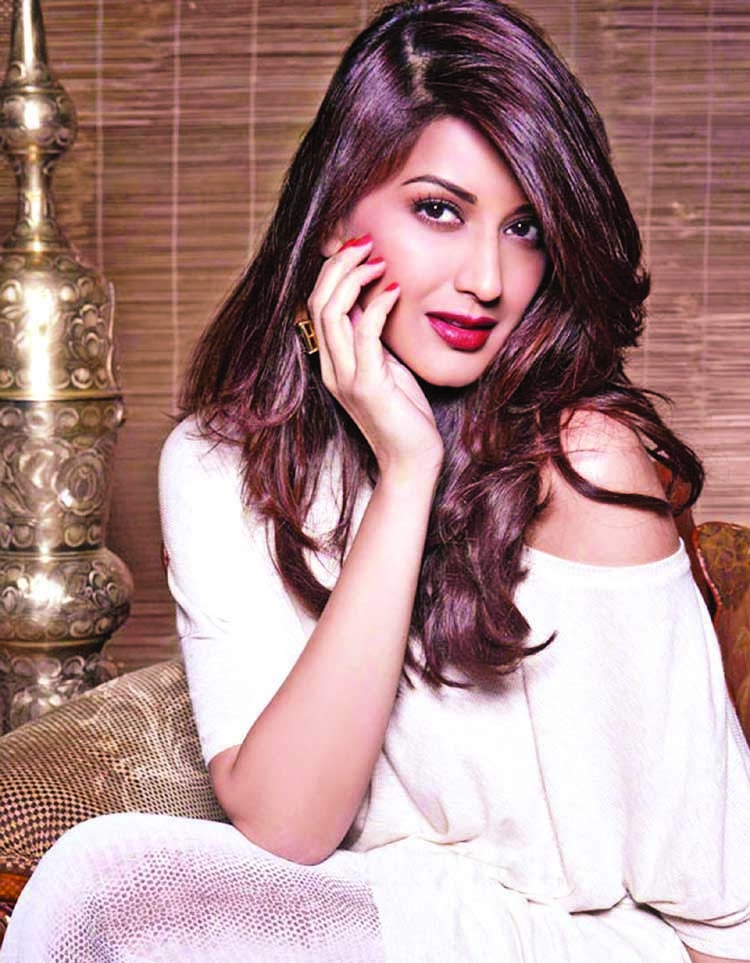 Cancer fighter  Sonali Bendre says she is not alone