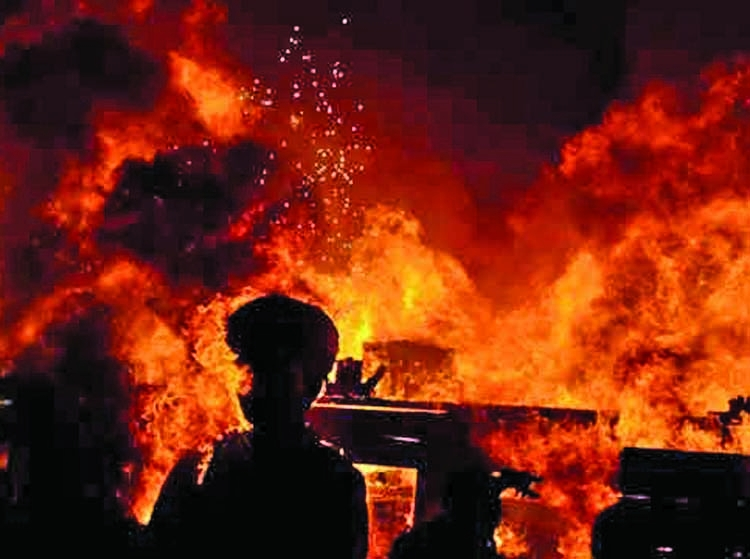 Youth killed in Ctg fire
