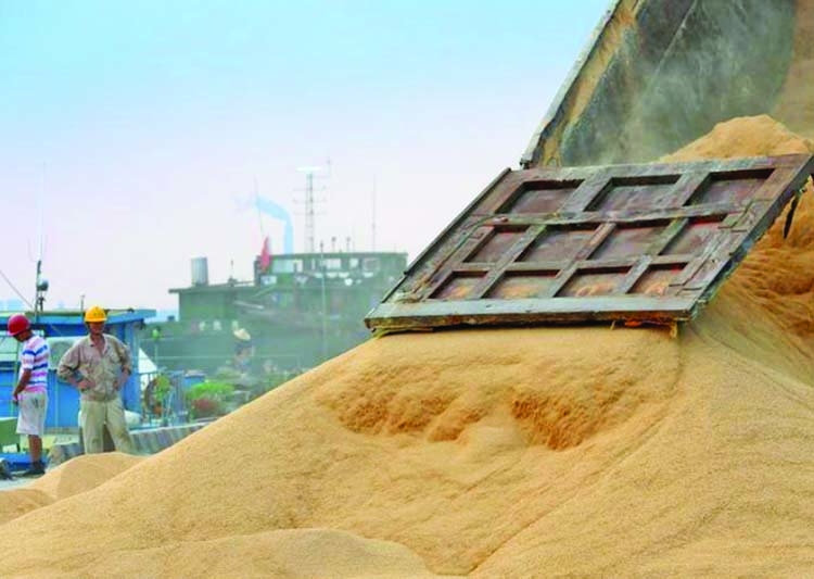 Funds sour on CBOT grains, soy against trade consensus