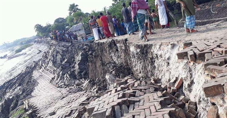 River erosion takes  serious turn in Dimla